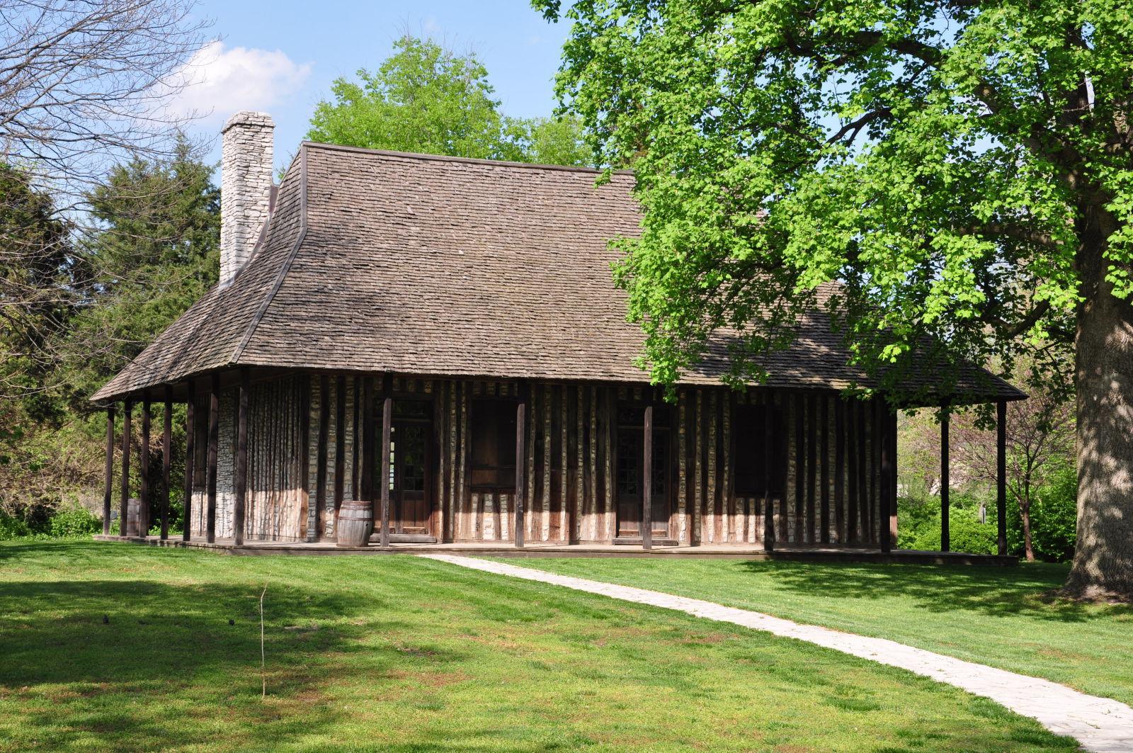 Cahokia Courthouse Exterior