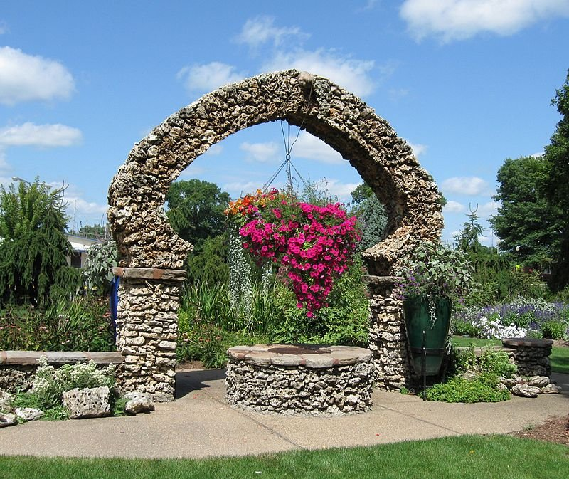 An arch in the gardens.