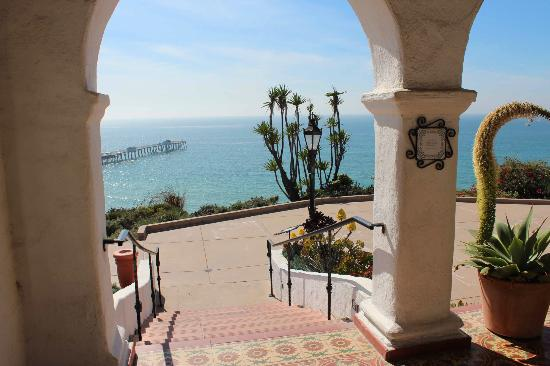 The view of the ocean makes the house an ideal locations for weddings and other events.
