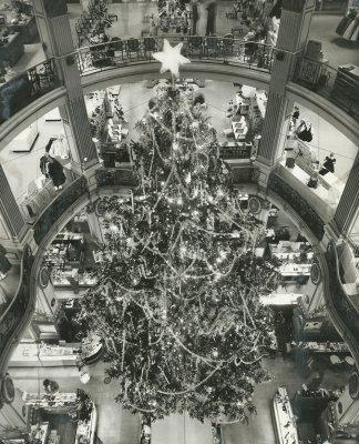The City of Paris was one of the first department stores in Union Square. This photo was taken in November, 1959.