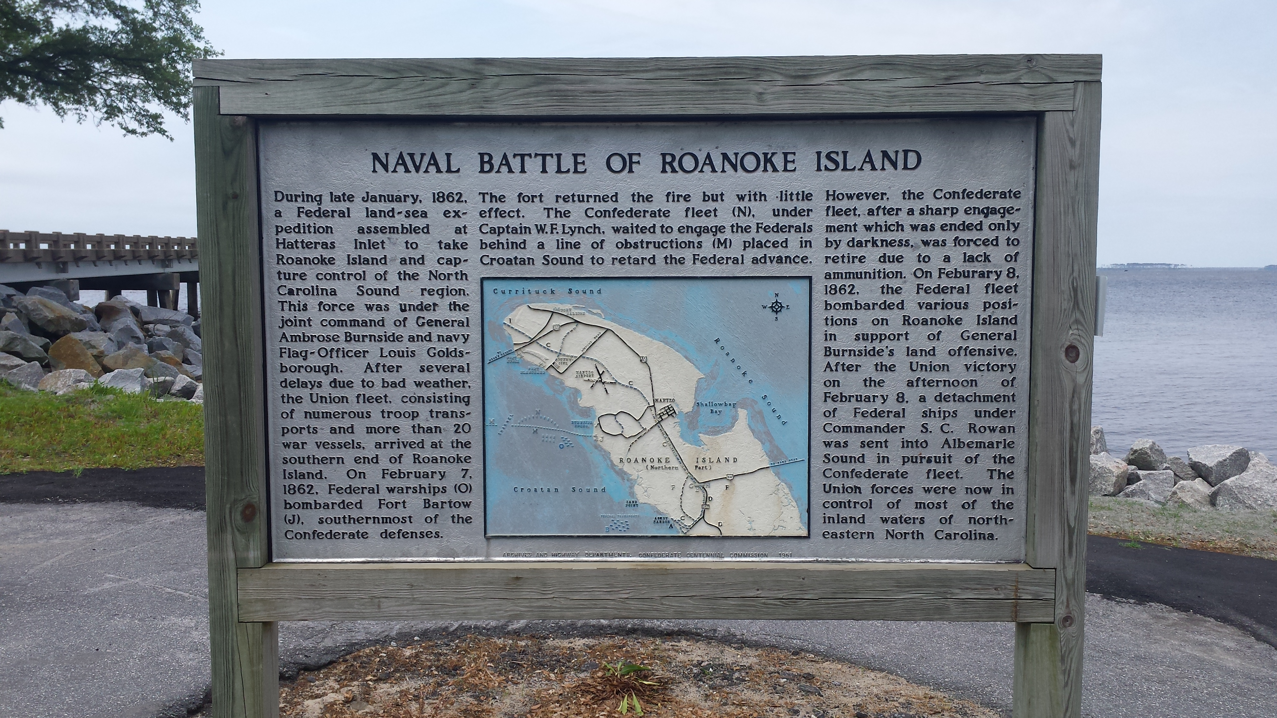 Monument commemorating the naval battle of Roanoke Island.