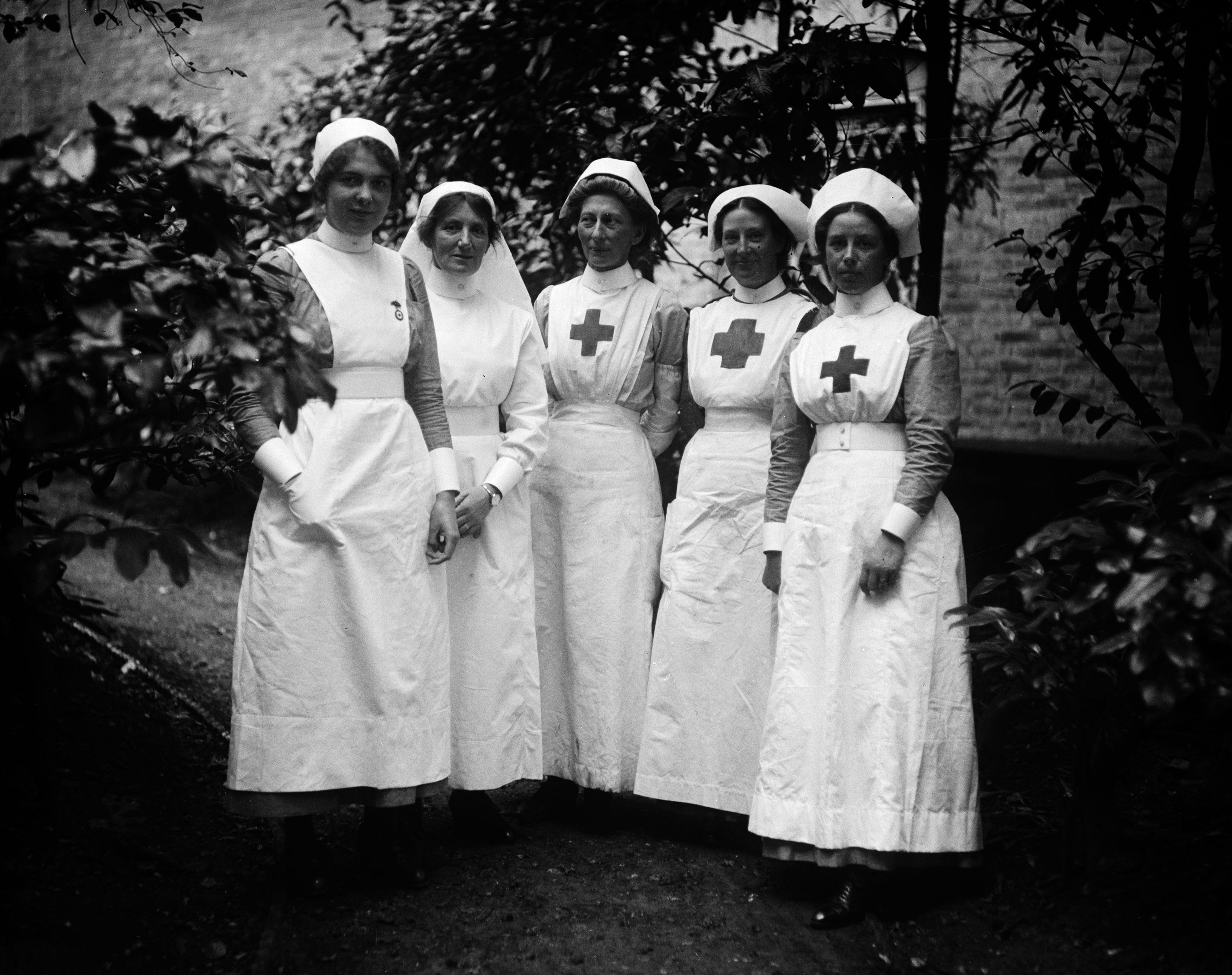 An image of nurses during WW1. Nurses could work anywhere from the homefront to the front lines under heavy fire. They risked their lives and exposed themselves to a variety of diseases and dangerous situations to help injured or sick soldiers.