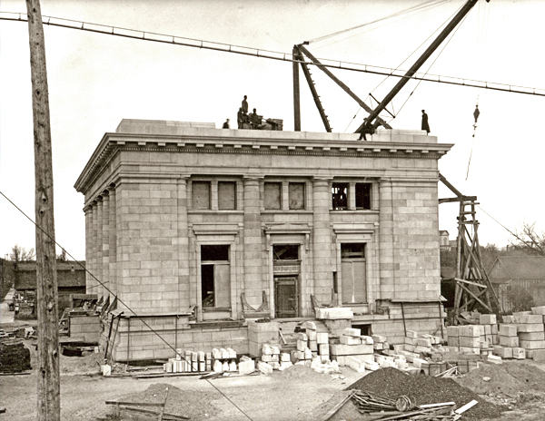 The museum is located in the Kearney Post Office. This photo, taken in 1911, shows the completion of the building.