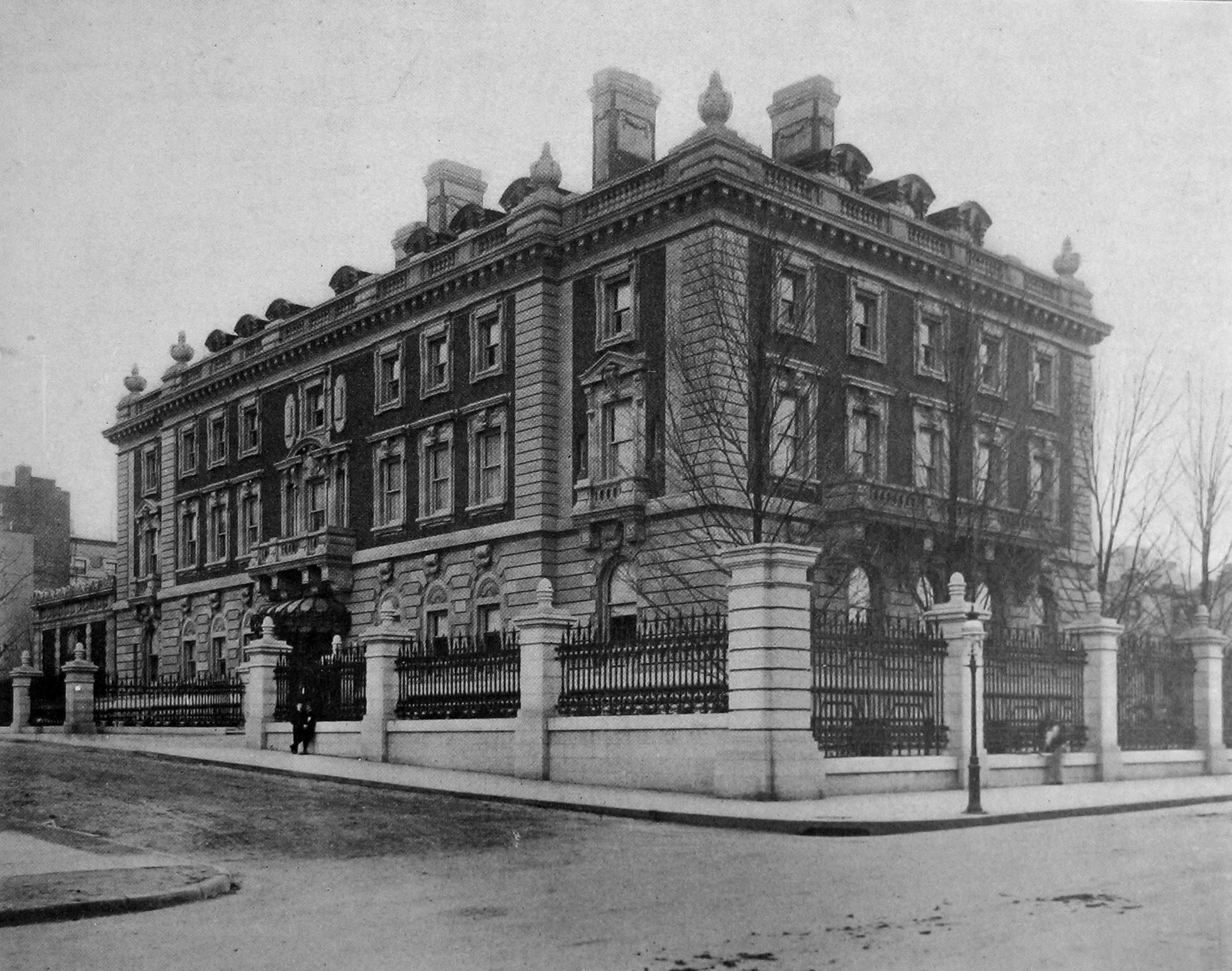 The Carnegie Mansion shortly after completion in 1903.