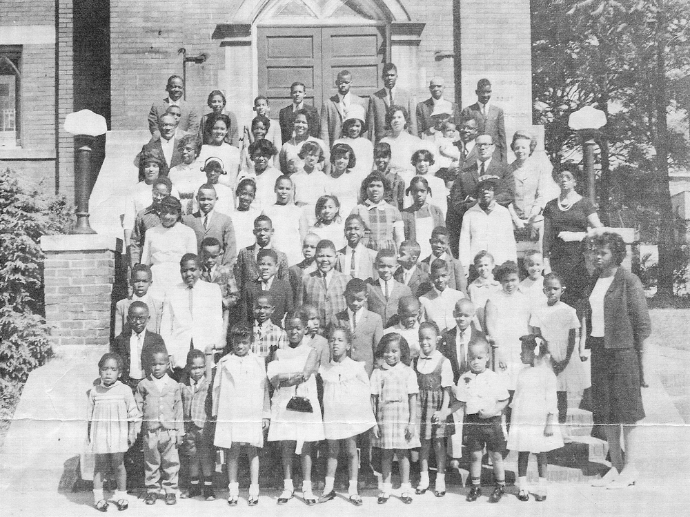 undated black and white photo of Simpson UMC congregation during segregation period.