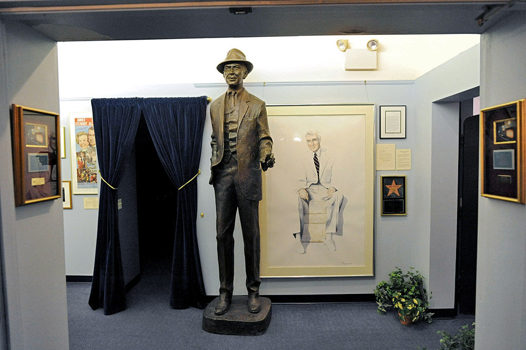 The statue and picture of Jimmy that greets visitors as they enter the museum.