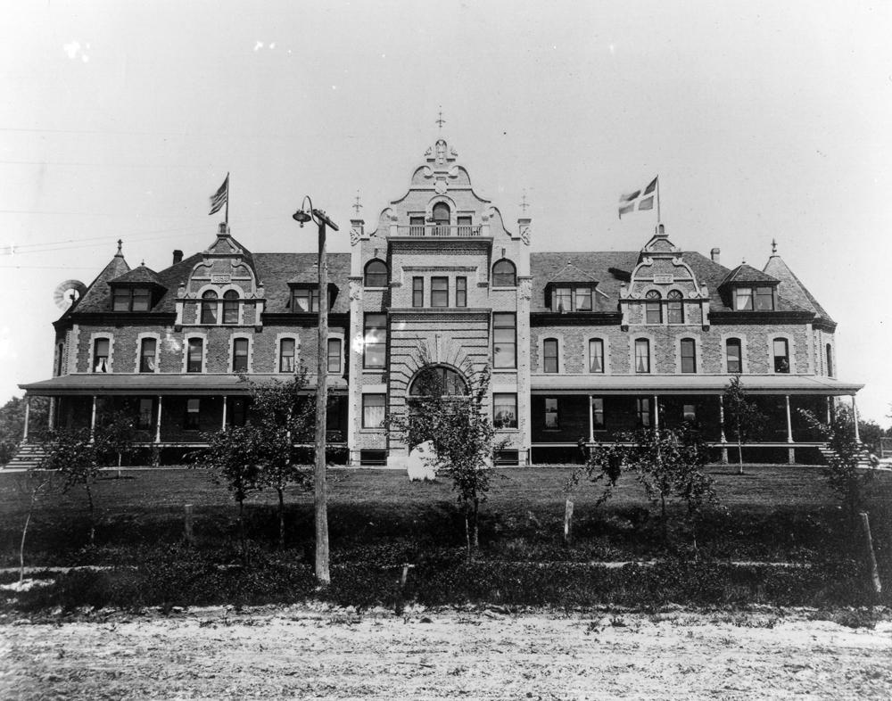 Old Main (now the Humphrey Center) circa 1900.