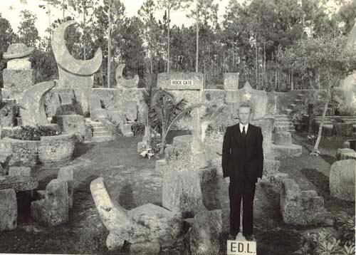 Edward Leedskalnin in front of his Coral Castle