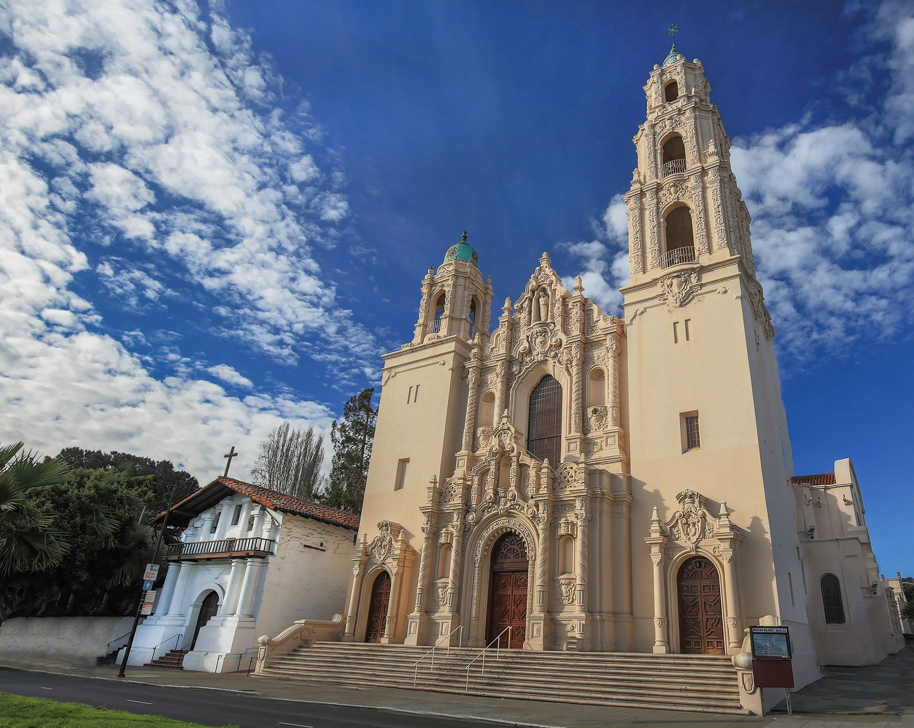A new basilica built in 1918 dwarfs the original Mission chapel. Nonetheless, the original structure has stood the test of time, having weathered many earthquakes and fires.