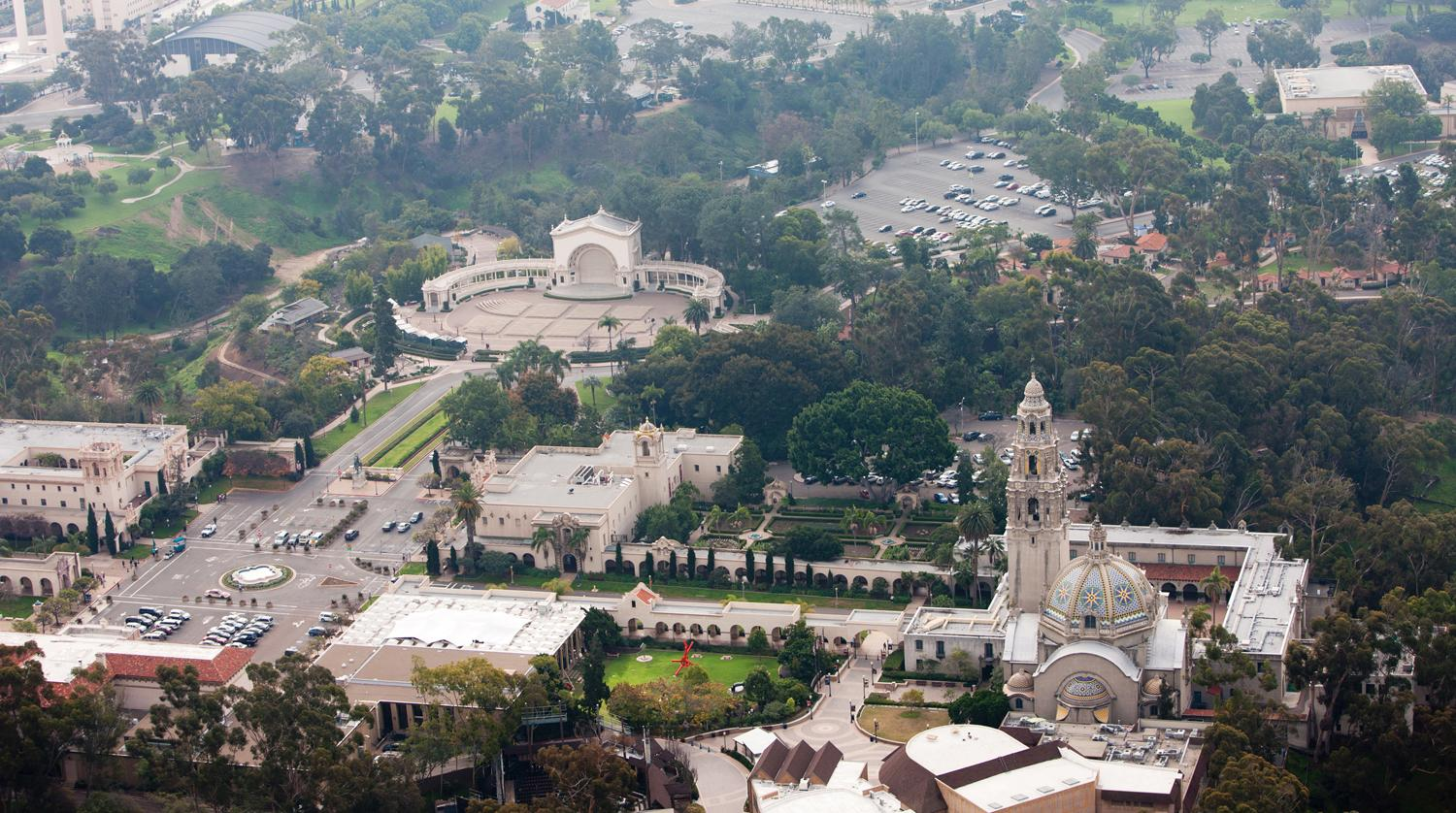 Aerial view of the the park. The Plaza de Panama is on the left and the  building on the right is the Museum of Man. The structure on the upper left side is the Spreckels Organ Pavilion.