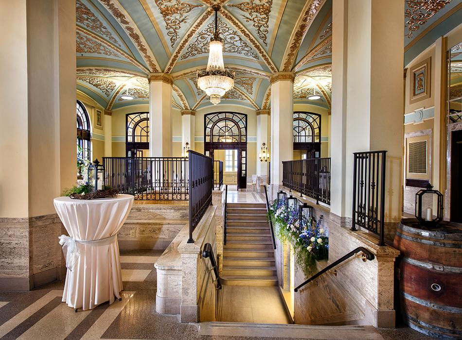 The interior of the Onesto Hotel