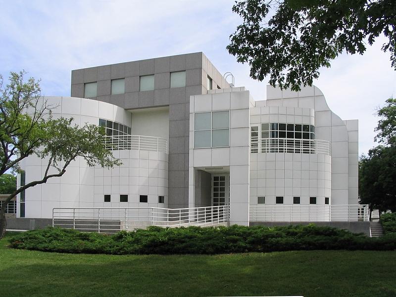 The Richard Meier addition, built in 1985.