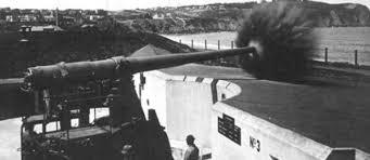 Battery Chamberlin 6-inch gun being test-fired in 1917.