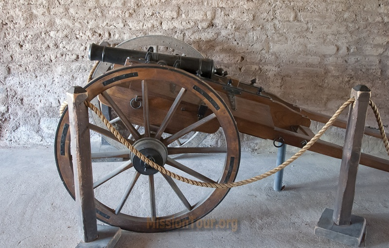 Replica 1830s cannon at Barracks