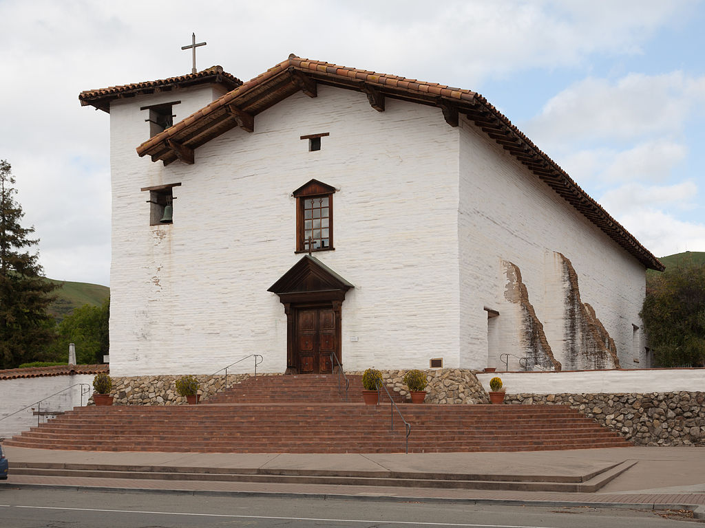 The present-day chapel, reconstructed to closely resemble the original and built with adobe (albeit with seismic upgrades to withstand further earthquakes).