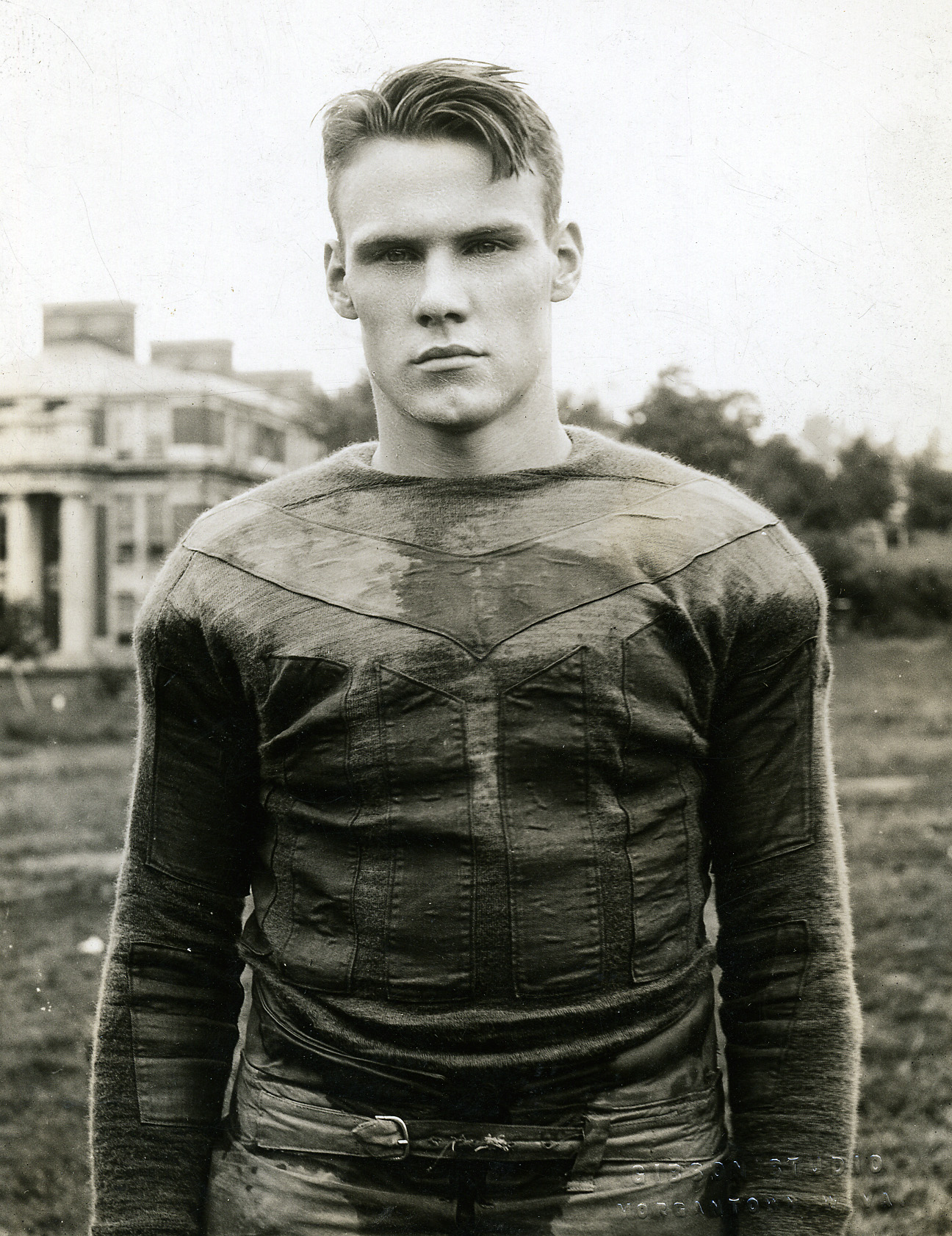 Bill Karr is a member of the West Virginia University Athletic Hall of Fame. He played 6 seasons for the Chicago Bears during the 1930s.