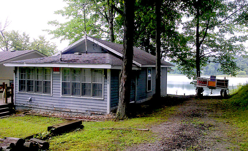 A lake cottage that was for rent in the past few years.