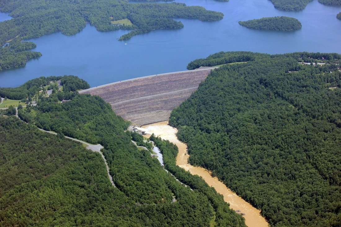 Aerial photo of Summersville Lake and Dam.