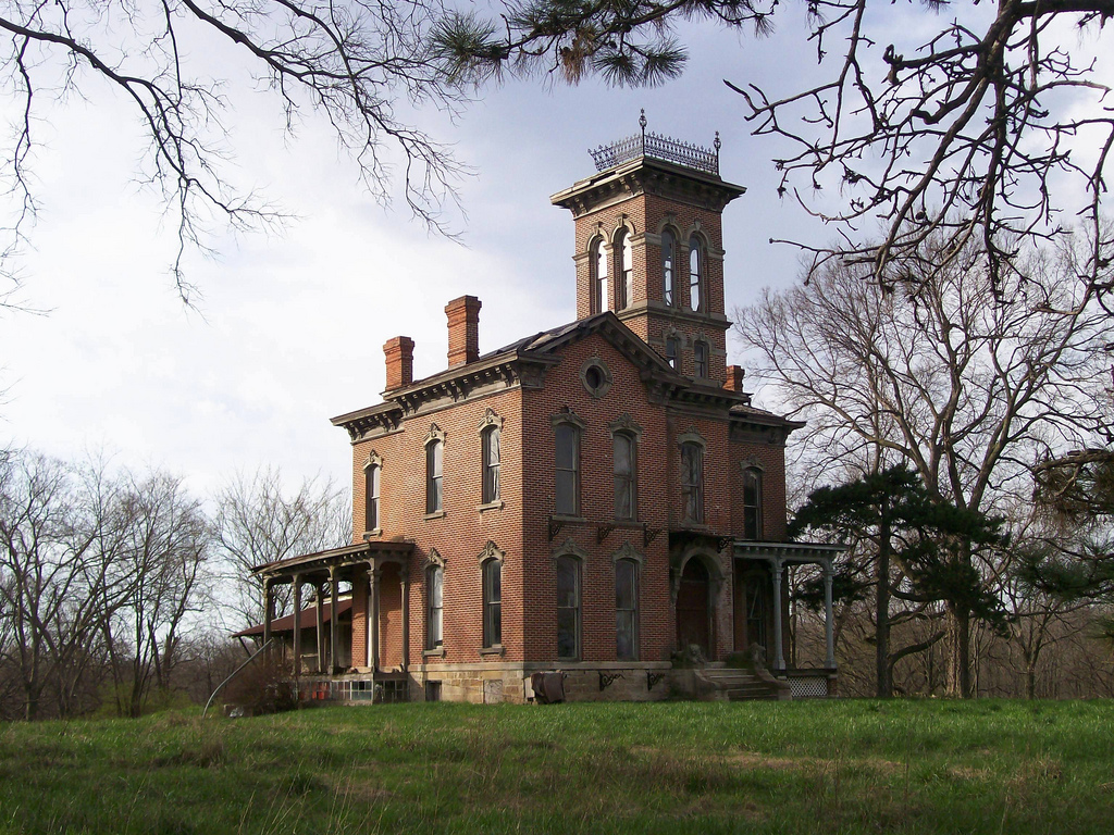 Sauer Castle was built in 1872 and is believed to be haunted.