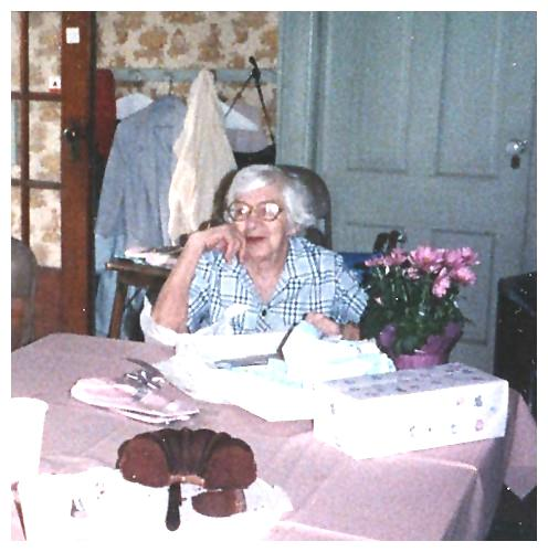 Loretta welcomed visitors into the home from the 1970s until her death in 1991
