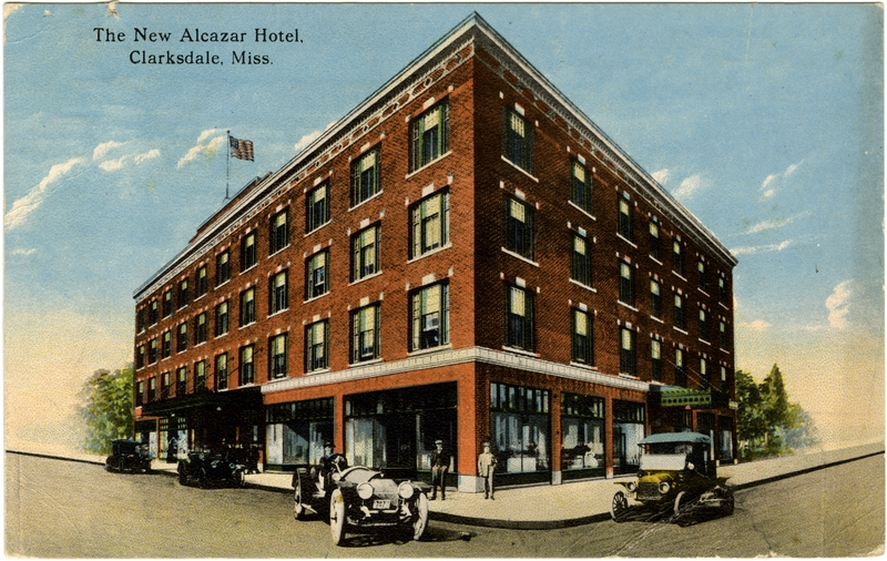 Postcard depicting the hotel as it appeared in the early 20th century.