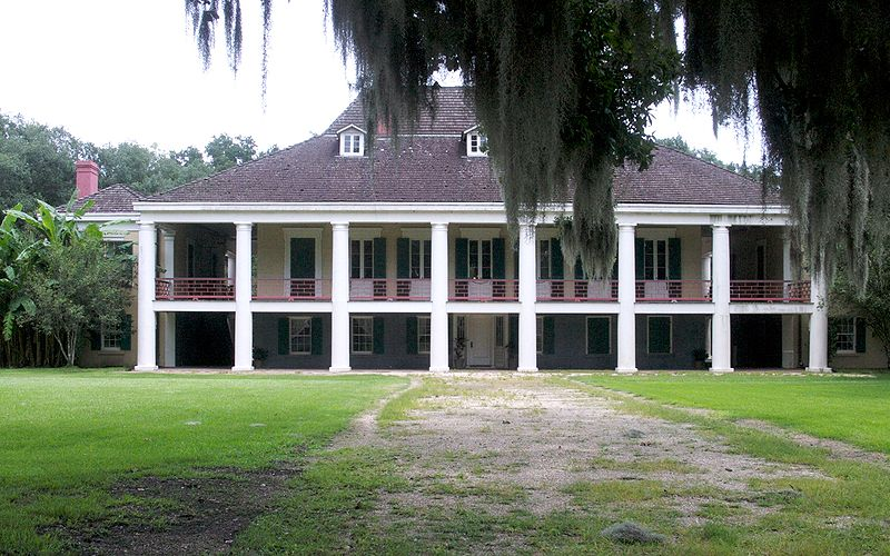 Photo courtesy of Andrew Hopkins art. (http://andrewhopkinsart.blogspot.com/2011/01/destrehan-plantation-1790.html)