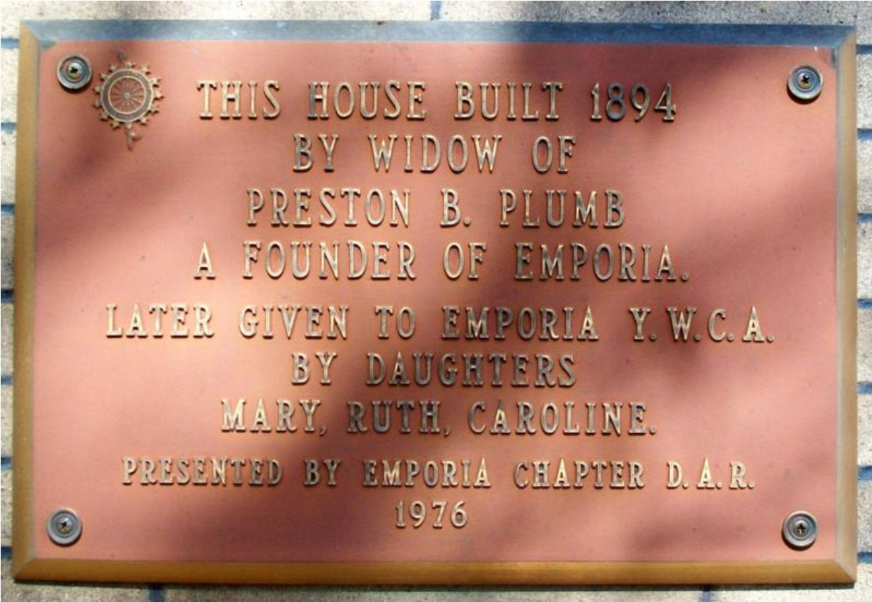 1976 DAR plaque on Preston and Carrie Plumb House, photo by William E. Fischer, Jr. in 2011 (KSHS)