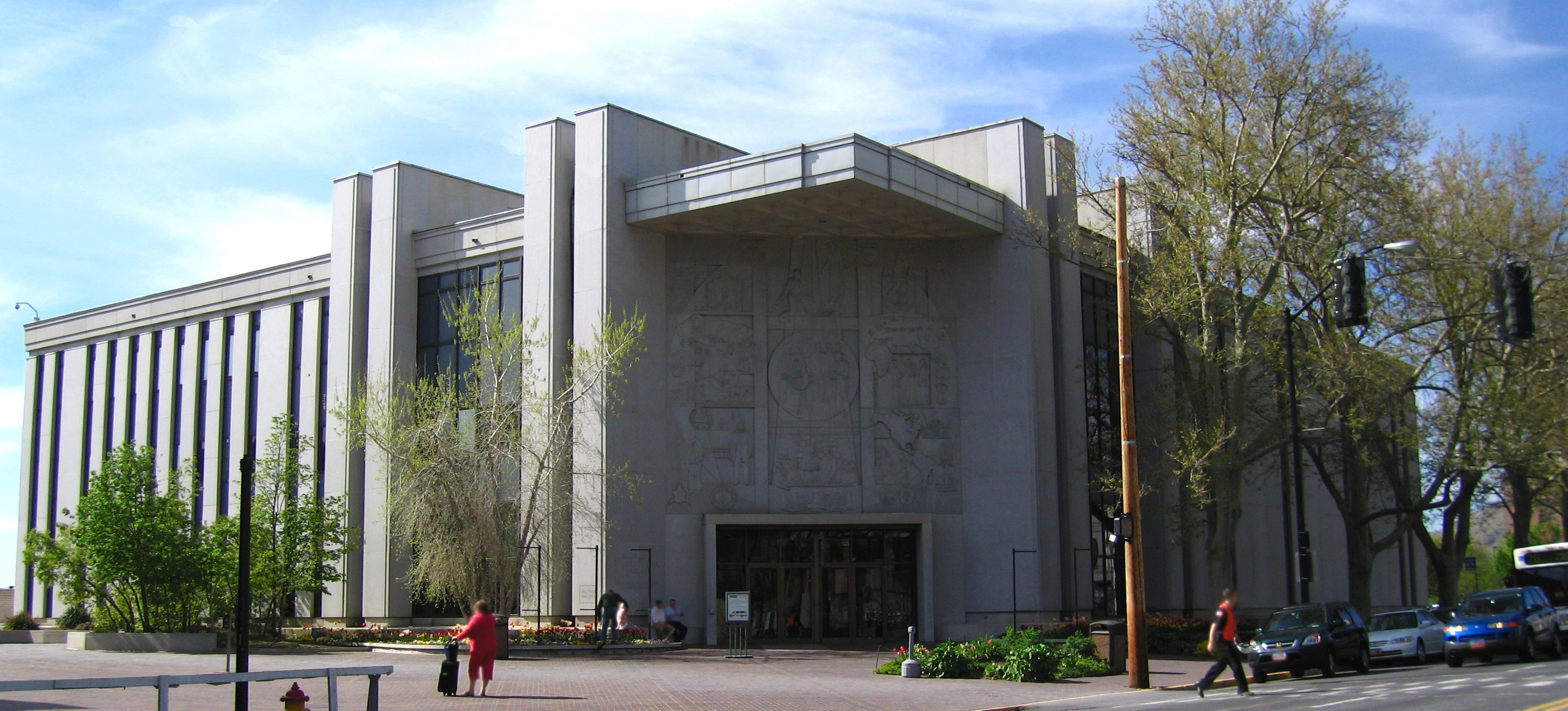 The museum is located west of Temple Square and north of the Family History Library.