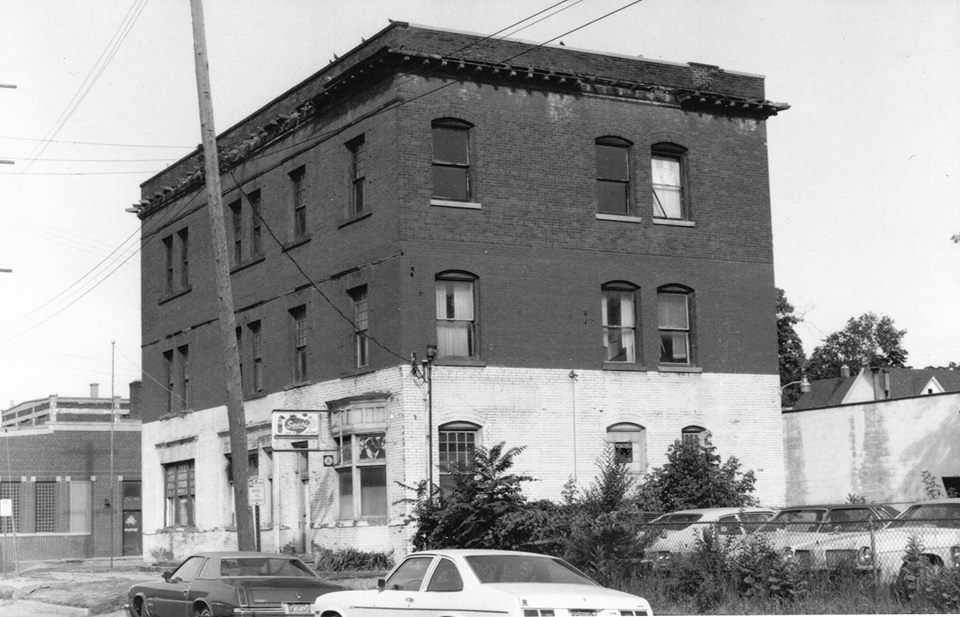 The building before historical preservation efforts and restoration in the late 1970s/early 1980s