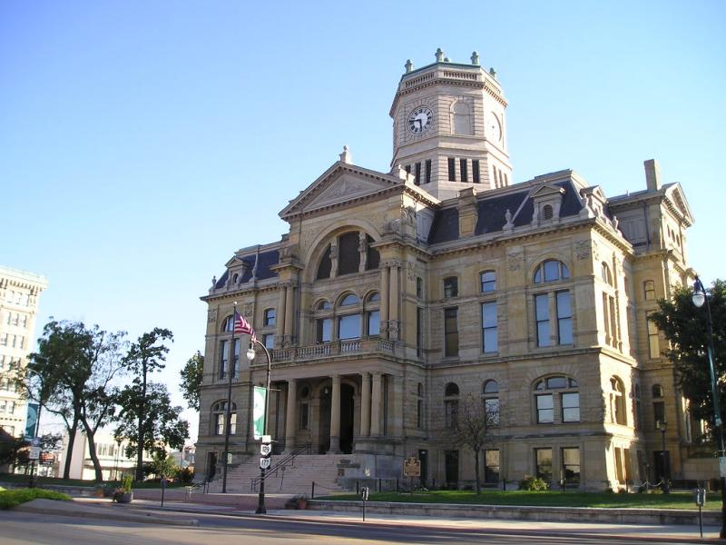 Here is a beautiful image of the old Butler County courthouse