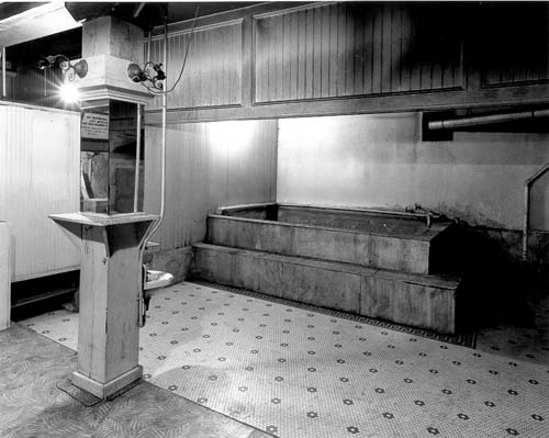 The bath house has been well-preserved and still looks much as it may have looked during the 1920s
