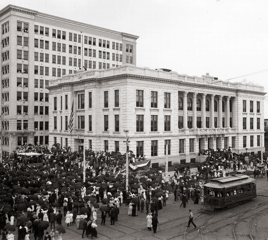 Dedication ceremonies of Memorial Hall, 1914