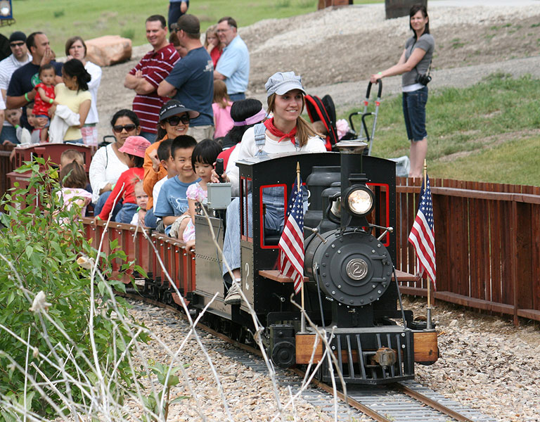 Train rides for kids that operates amidst the Park