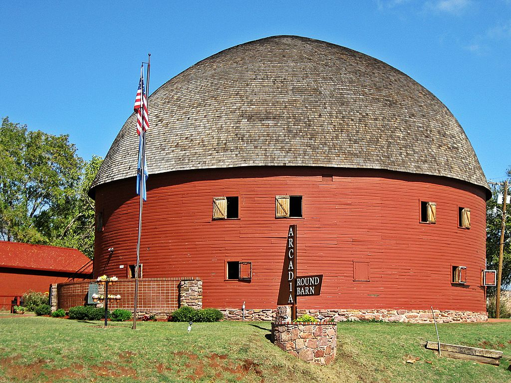 The Round Barn was built at 60 feet in diameter and 43 feet high. Local red Permian rock was used for the barns foundation. The rafters were made from local burr oak timbers that were soaked in water to soften and then banded into a mold.