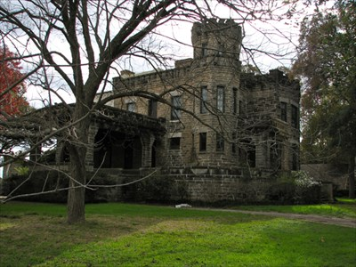 Cottonland Castle was built in 1913 after five years of construction.
