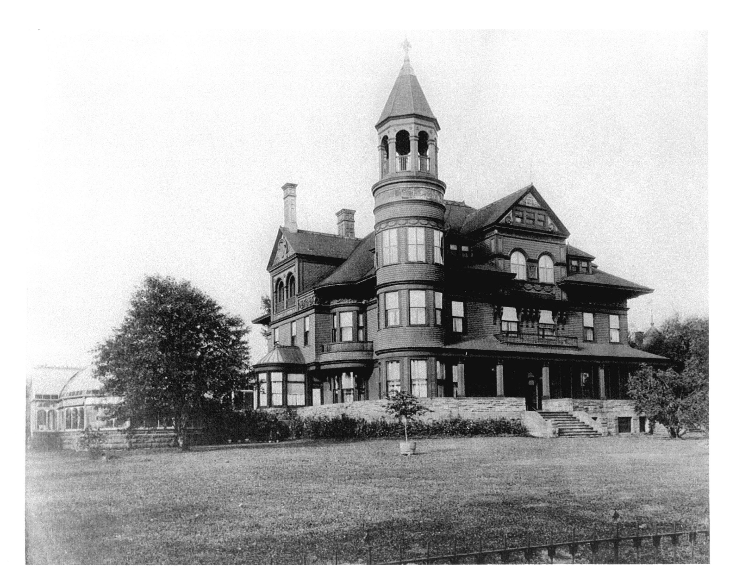 An early picture of the mansion