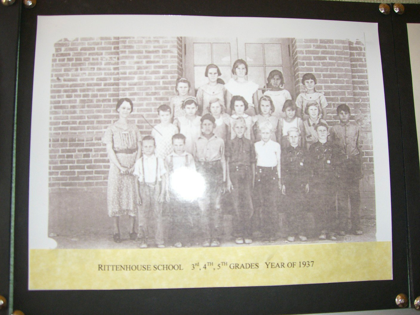 1937 class photo at Rittenhouse Elementary for 3-5 grades