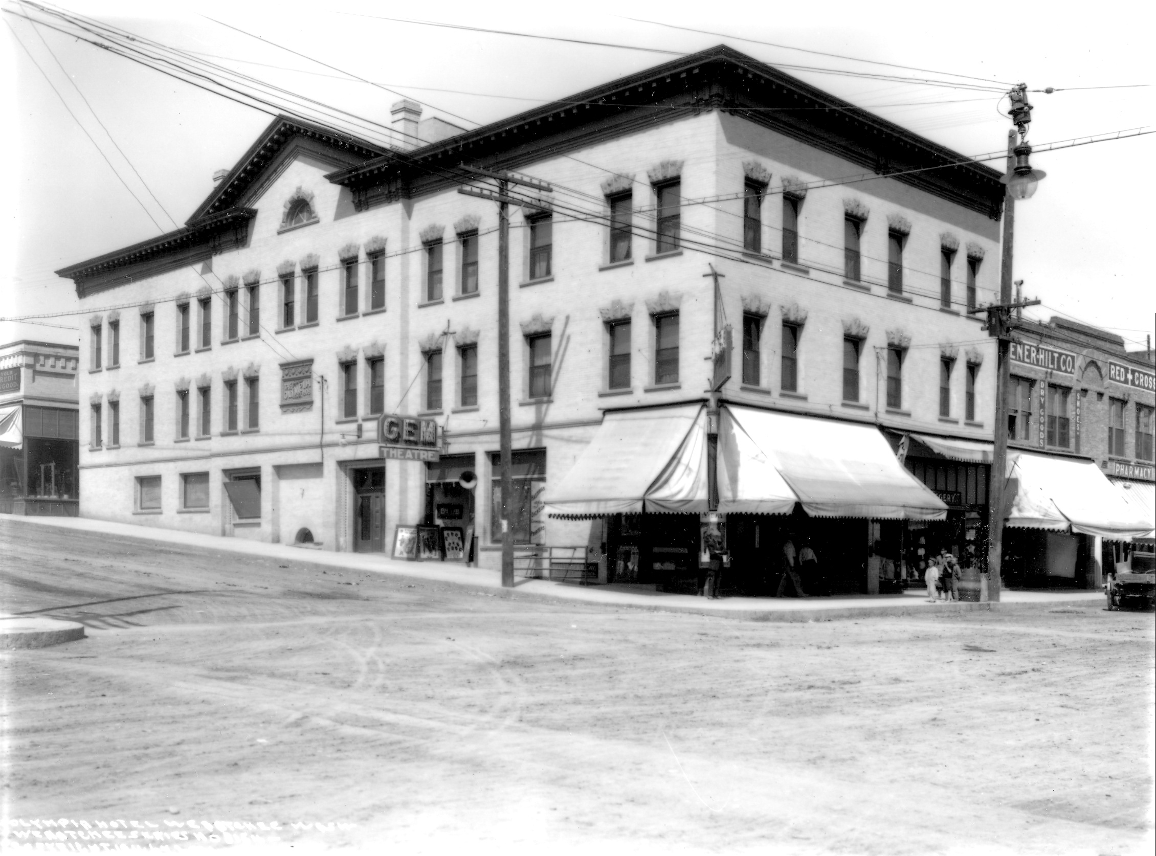 A 1911 photo showing the Palouse Street entrance of the Gem Theater and Olympia Hotel.