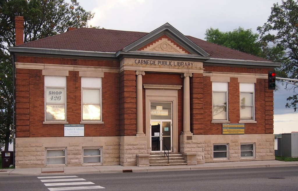 The former Bemidji Public Library, now the Watermark Art Center.
