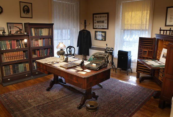 One of the rooms includes a reconstruction of a coal executive's office. Other rooms include mining equipment and artifacts related to the Civil War.