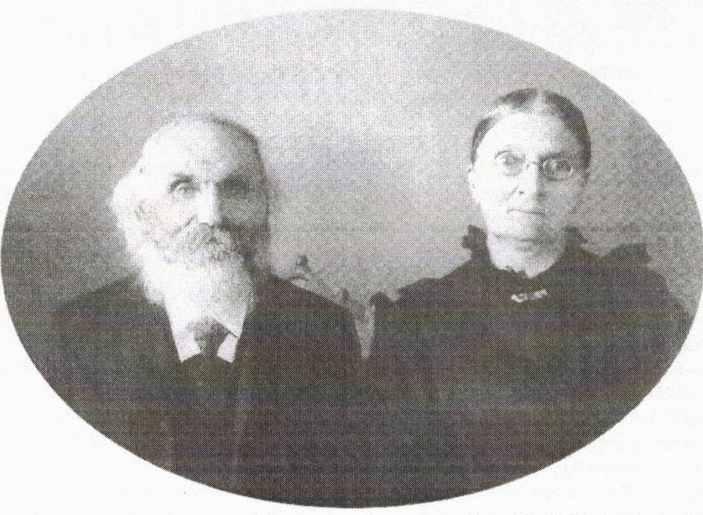 undated photo of Lauritz and Mary Smith. May have been taken a few years before his death in 1924.
