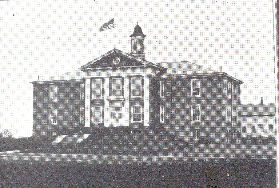 Mantua Center School as it looked shortly after construction was completed in 1914