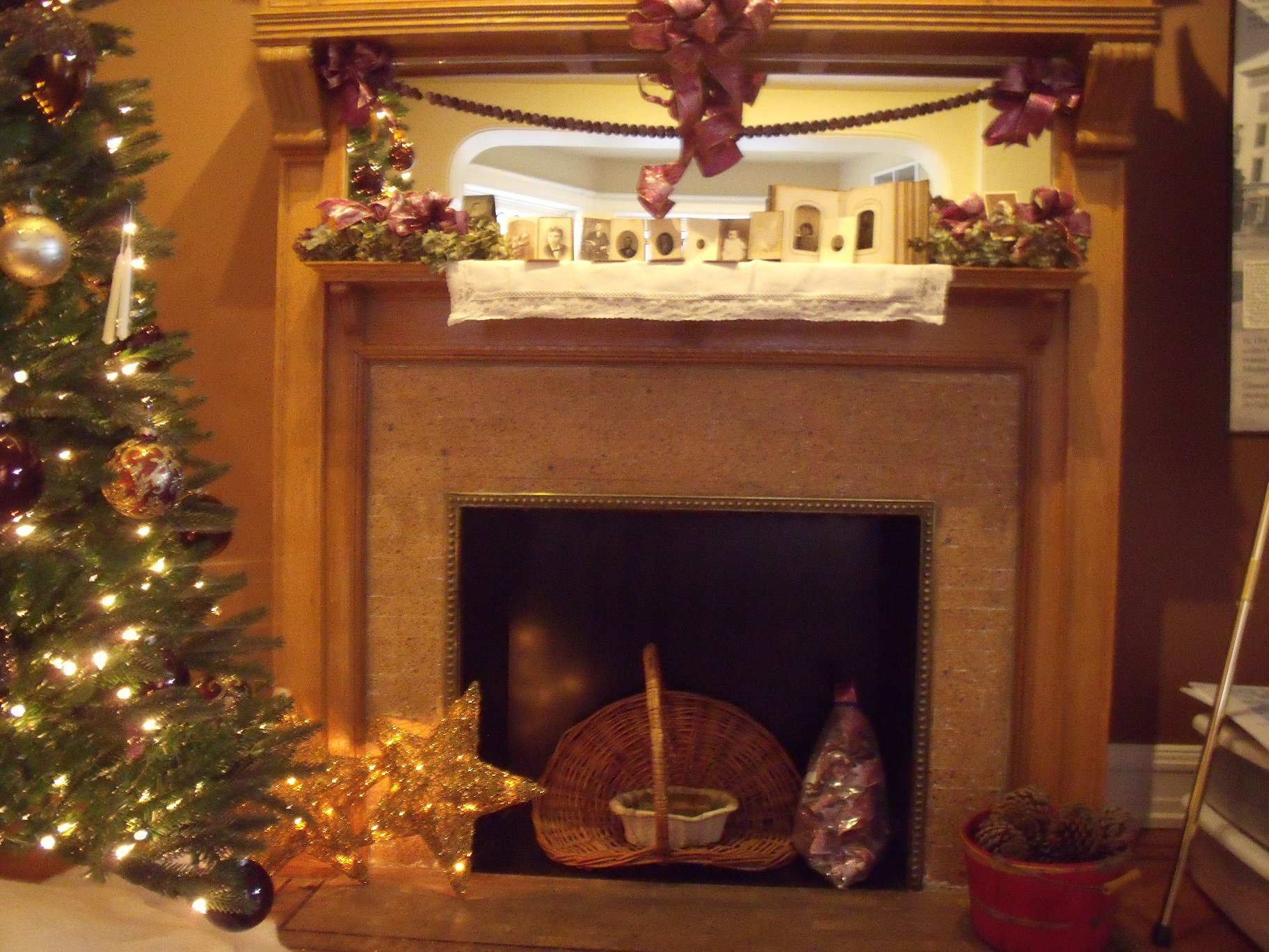 Another photo of the Goodridge House during the holiday season.