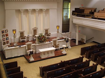 The church recently installed a new organ. For a century, the church utilized an organ that had been built in New York and carried by steamships down the Ohio and Mississippi Rivers in 1908.