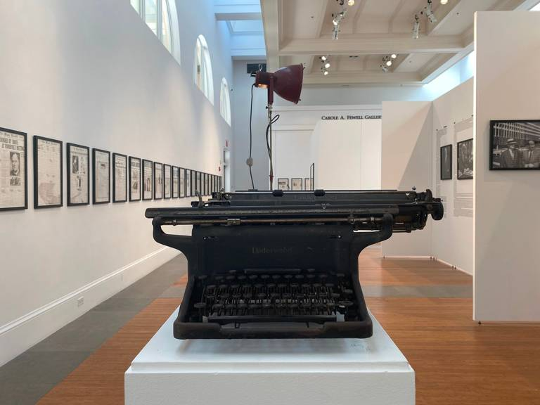 Office equipment, Museum, Typewriter, Architecture