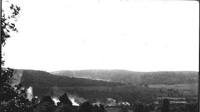 1907 photo of the town of Harmony (now Oakland)