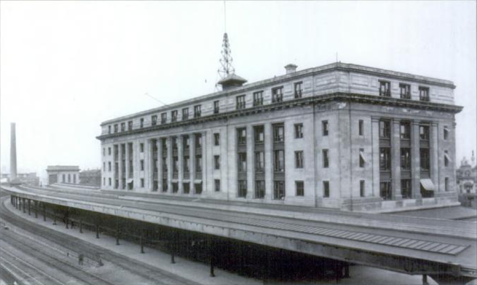 The station in 1914 with newest feature-rooftop radio antenna