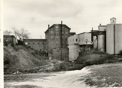 .The mill and river in earlier times.