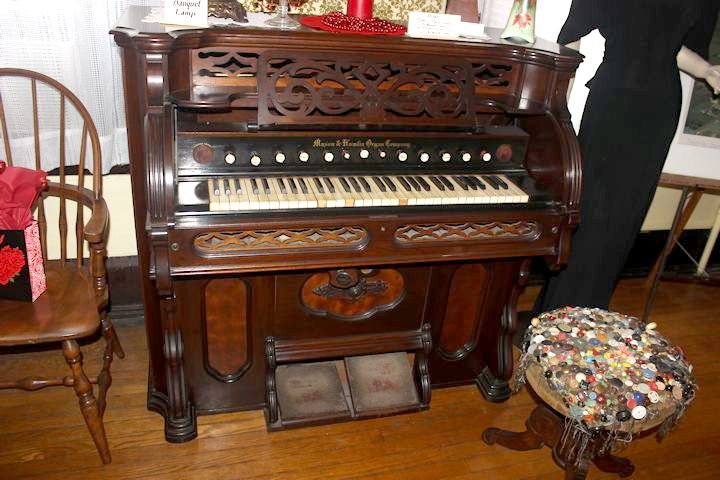The 1874 organ