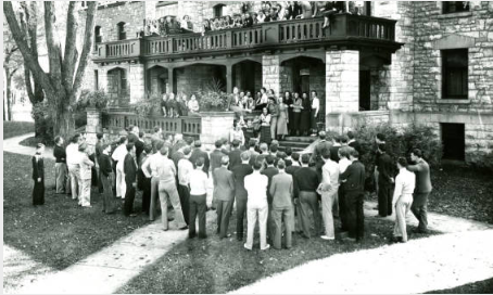 Students outside Voorhees Hall in 1936